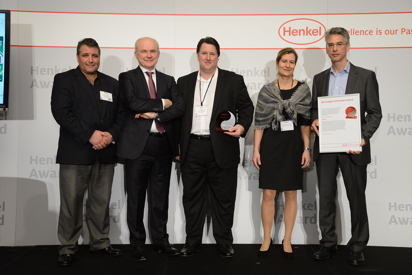 "Ashland awarded for ""Best Supply Performance 2012"". From left to right: Kevin Beairsto, Bertrand Conquéret, Jim Mish, Petra Spallek, Ingo Langohr"