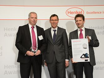 "Evonik Industries honored with ""Sustainability Award Beauty Care 2012"". From left to right: Stefan Silber, Thomas Förster, Rainer Hahn"