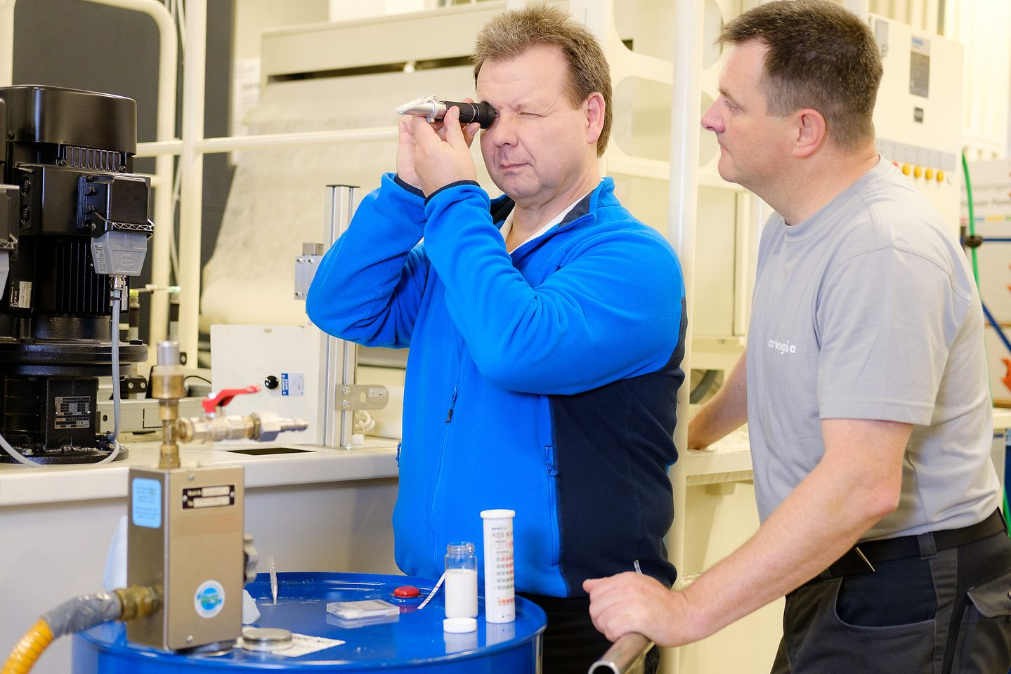 Quality control with a refractometer to measure relative density