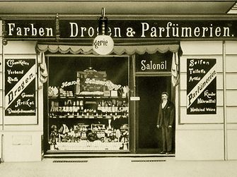 Hans Schwarzkopf opened his paint, drug and perfume shop in Berlin in 1898